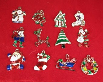 """BULK! 20pc mixed """"Christmas"""" charms in antique silver style (BC1366)"""
