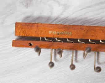 Vintage Tie Rack / Reguitti Necktie Display Hooks / Mens Retro Belt Hanger / Wood and Brass Tie Display / Holds 22 Neckties