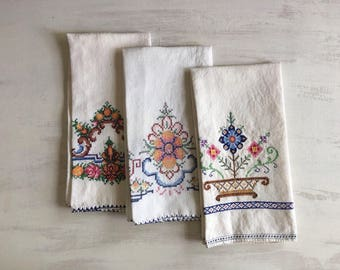 3 Vintage White With Colorful Embroidery Guest Hand Towels
