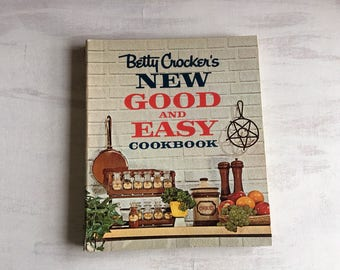 Vintage 1962 Betty Crocker's New Good And Easy Cookbook