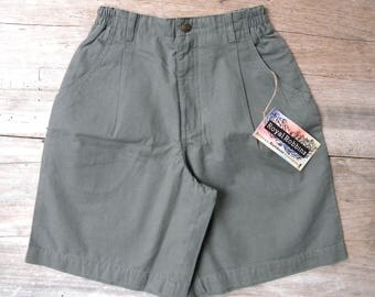 Size Small Vintage Royal Robbins High Waisted Green Hiking Shorts / Billy Goat Walker / Deadstock / Camp Shorts / Outdoor Shorts / Size S