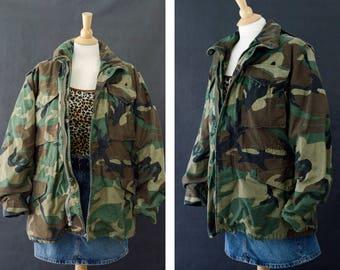 M65 Camouflage Jacket, Vintage Army Camo Jacket, Woodland Distressed Camo, 90s Grunge Jacket, Cold Weather Coat, Size Small Regular Unisex