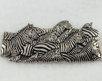 Very Detailed Zebra Brooch Sterling Silver-Zebra Heads and Bodies - 20.1 grams