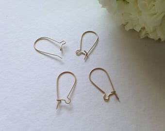 4pcs (2 pairs) Supports matte golden earrings