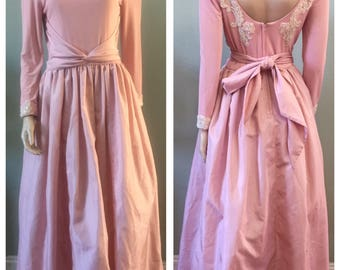 Gorgeous Pink Vintage Huey Waltzer En Francais Formal dress with white pearly detail / Medium
