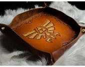 Hylian Crest Leather Vale...