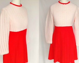 Vintage 60s 70s Red & White Crochet Knit Color Block Space Age Mod Go Go Scooter Mini Dress Small-Medium