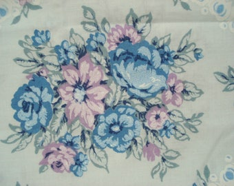 Vintage Shabby Pillowcase Blue Floral Standard J.P. Stevens Tastemaker No Iron Muslin Polyester/Cotton Shabby Cottage Chic Blue Pillowcase