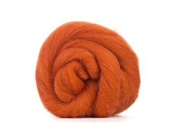 Ewespinningmeayarn Dyed British Shetland Tops/Rovings CINNAMON. Perfect for felting and hand spinning.