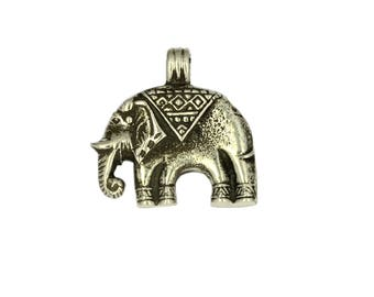 Silver Charm-Chang Elephant Pendant