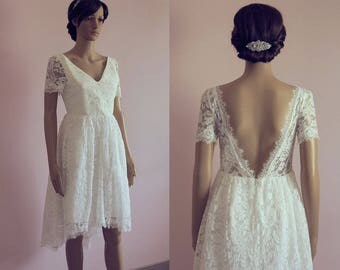 High low wedding dress/ tea length lace wedding dress/ short lace wedding dress open back/ cap sleeves/ retro/ 50s/ Robe de mariée courte