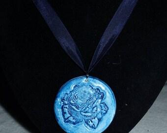 Blue Pink nature side necklace