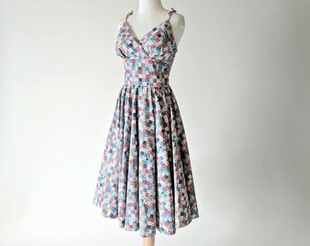 1950s vintage dress - 50s cotton quilt print day dress: Carousel dress