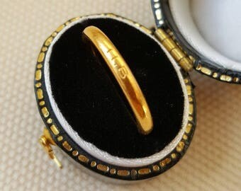 Antique 22ct Gold Band 1853 Halo Syle 3mm Wide