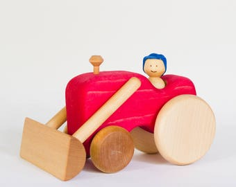 Red wooden tractor, wooden tractor by l'Atelier Cheval de bois
