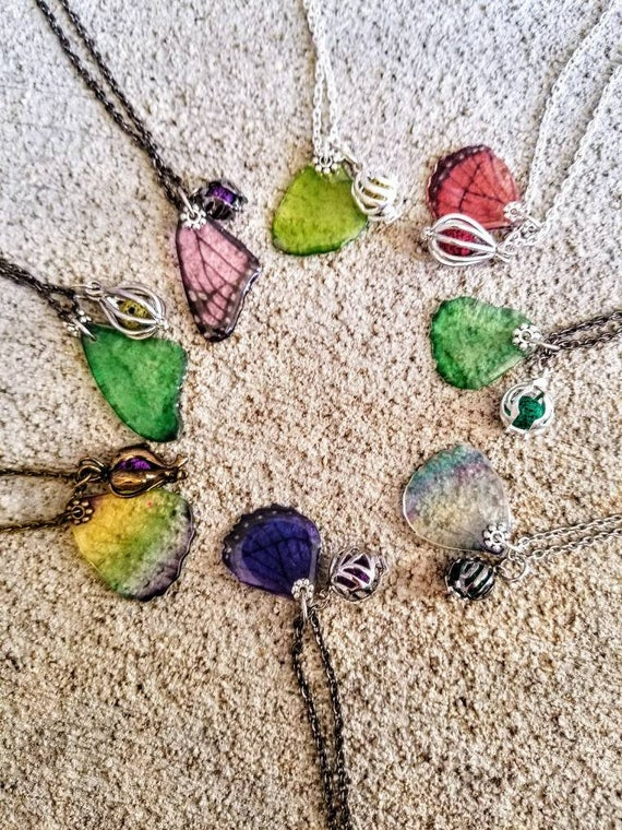 Random Pick Butterfly Wings - Diffuser Necklace