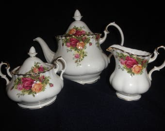 Teapot Old Country Roses Royal Albert with Milk Saucer and Sugar Bowl