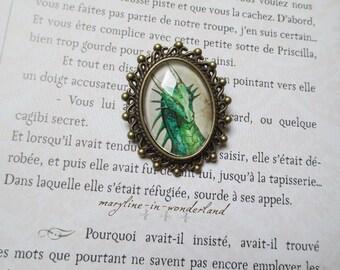 Oval bronze dragon brooch Green