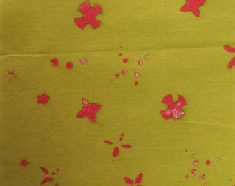 1/2 Yard Chroma Handcrafted Batik Scatter in Moss from Andover designed by Alison Glass 8133-V1