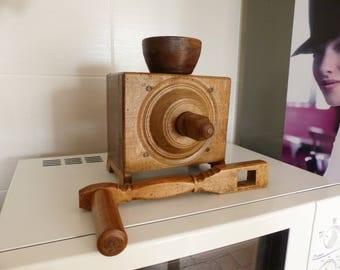 Rare antique/ vintage French solid wood coffee grains grinder -  - ancien moulin à café - coffee mill