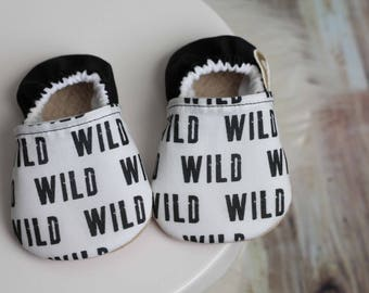 Wild Baby Shoes//Baby moccasins, Black Baby Shoes, Wild Baby Boy, Baby Booties, Baby Girl Shoes, Baby Boy Shoes, Baby Shoes