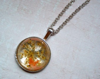 Silver necklace with real Dillblüte yellow