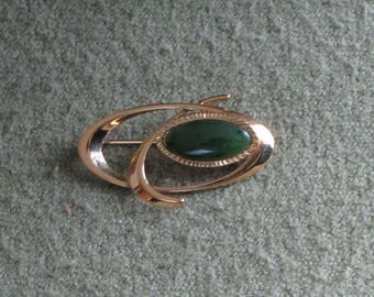 Vintage Gold Toned Brooch Green Agate Stone Mid Century Modern Lapel Pin Oval Brooch