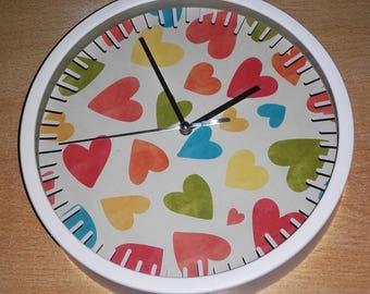 clock wall pattern heart