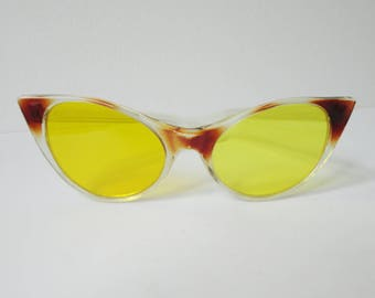 Cool Brown 50s Vintage Cat Eye Sunglasses // Yellow Glasses