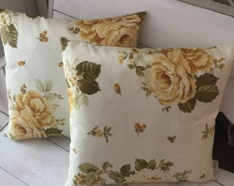 Pillow with shabby roses