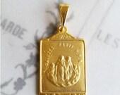 Medal - Saintes Maries 18K Gold Vermeil Medal - 19 x 30mm