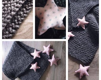 Baby blanket in sparkly gray wool with pink and silver stars