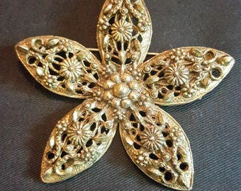 Vintage Victorian Ornate Brass Floral Flower Brooch