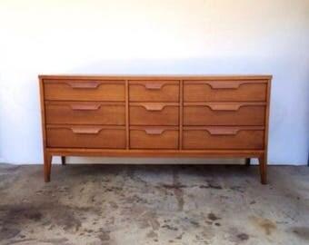 Mid-Century Modern Johnson Carper Dresser
