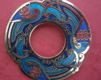 D201) A lovely vintage gold tone metal Celtic Sea Gems enamel cloisonné Celtic knot bird eagle brooch
