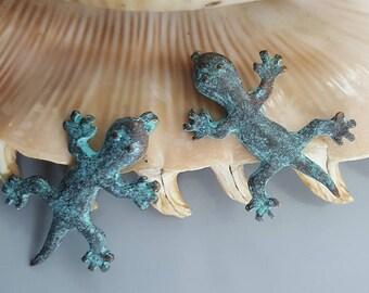 Mykonos Gecko Lizard Pendant, 19x34mm, Green Patina  - 2 Pieces