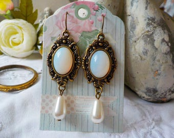 Victorian earrings drop Pearl and Moonstone cabochon