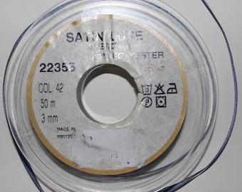 Ruban satin de luxe,double-face,gris-bleuté de 3 millimètres x 1 mètre (R 6)