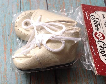 "Vintage  cream color doll shoes | Fibre Crafts | 13"" doll 