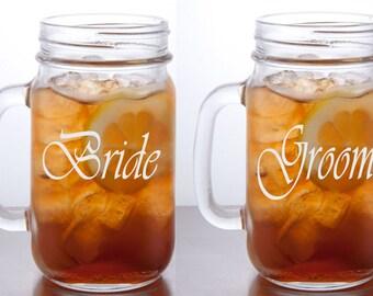 Bride Groom Mason Jar Mugs / Personalized Wedding Glasses / Custom Engraved Beer Mug / Rustic Wedding Gift Idea / Wedding Gifts / Set of 2