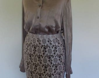summer sale Vintage skirt 50s 60s coffee and cream coloured floral lace pencil skirt size extra small XS