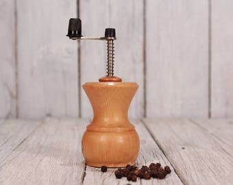 Pepper mill, Vintage grinder, Old mill, Pepper grinder, Old grinder, Manual grinder, Wooden body grinder, Wooden mill, Grinder, Rustic decor