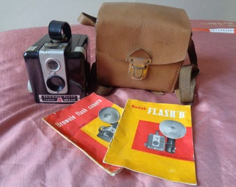 Vintage Brownie Flash Camera Kodak Made in France.