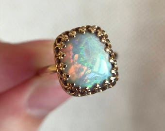 14K yellow gold ring with Australian Opal