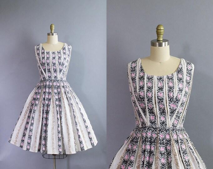 1950s Floral Striped Dress/ Small (34b/26w)