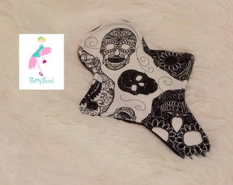 """7"""" Thong Liner Skulls Jersey CSP Cloth pad (2"""" snapped) thin discrete fleece back daily liner"""