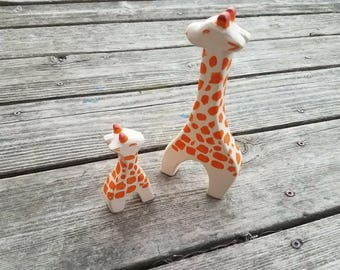 Mama and baby Giraffe, waldorf inspired wooden toy, wooden animals