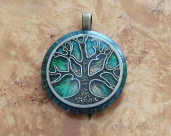 Tree of Life Equinox Light of a Green Spring Crystal-Antenna Ormus Orgone Energy Pendant Necklace 25mm Unisex Moldavite Labradorite Quartz
