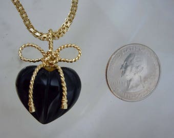 14Kt Yellow Gold Bow Tie Ribbon Carved 3D Onyx Puffy Heart Charm Pendant