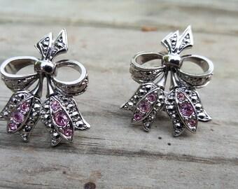 Avon Tulip Pierced Earrings